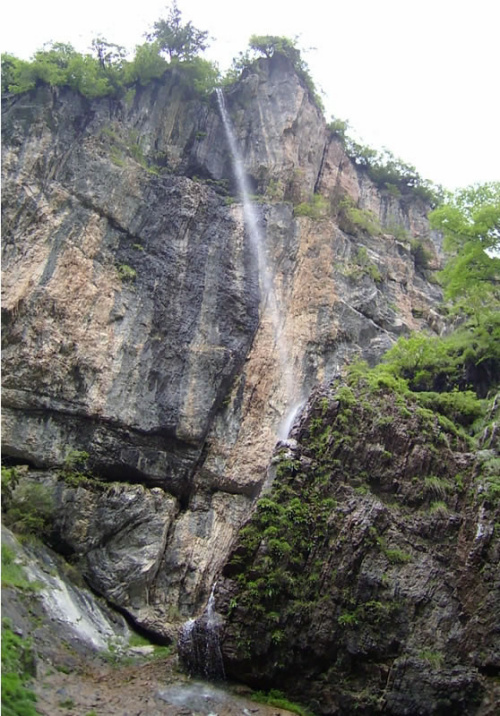 处在兰州——漳县贵清山——哈达铺——官鹅沟自然风景区——武都万象