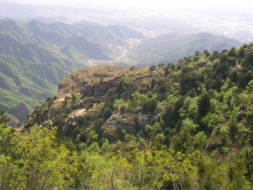 龙潭峡自然风景区主峰黄牛顶