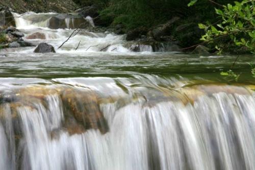 壁纸 风景 旅游 瀑布 山水 桌面 500_333