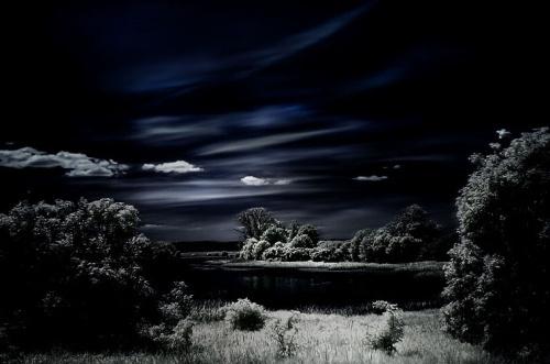 风起云涌,阴森的城堡,古寐的影子不见,吸血鬼的天堂.-城堡里的怪异