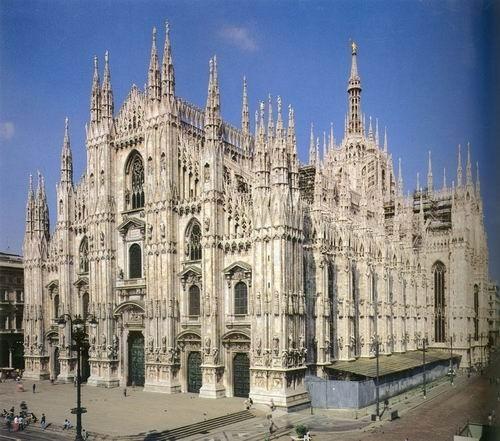 法国古典主义建筑的代表作是规模巨大