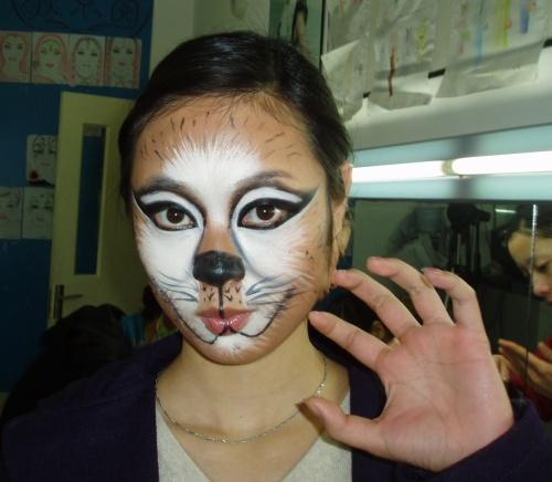 介绍一种好玩的妆面:猫妆